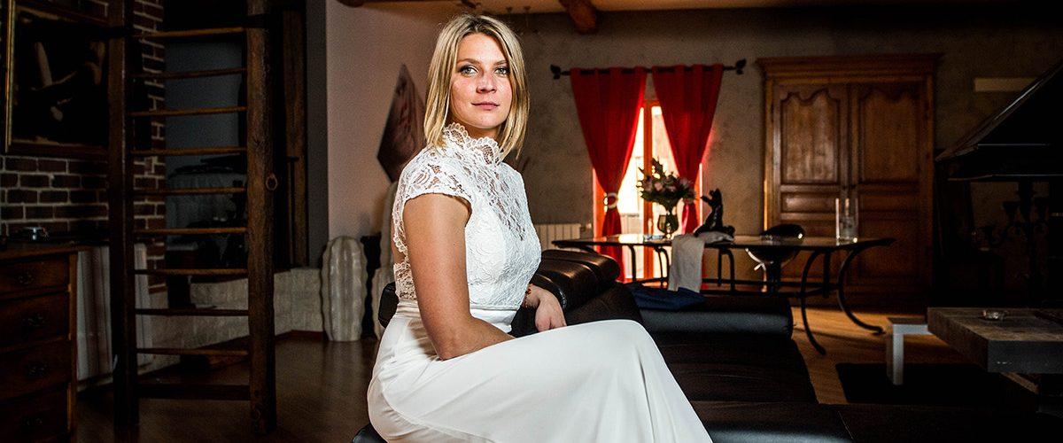 Maîtresse BCBG en robe de mariée